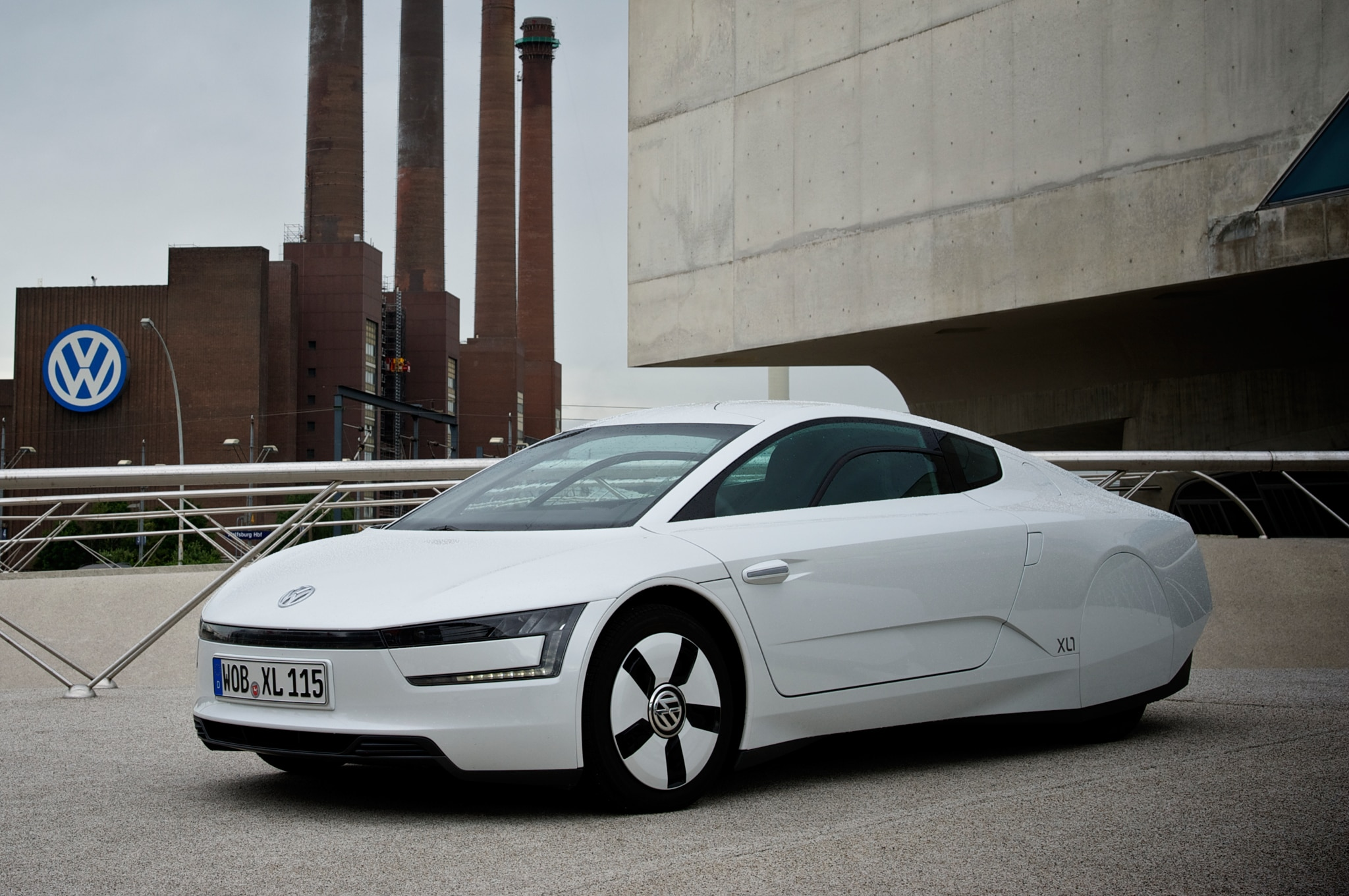 Volkswagen XL1 Front Three Quarter 21